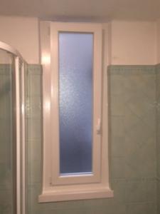 Nostri lavori finestre in pvc e avvolgibili su ristrutturazione infissi genova garrone - Davanzale finestra interno ...