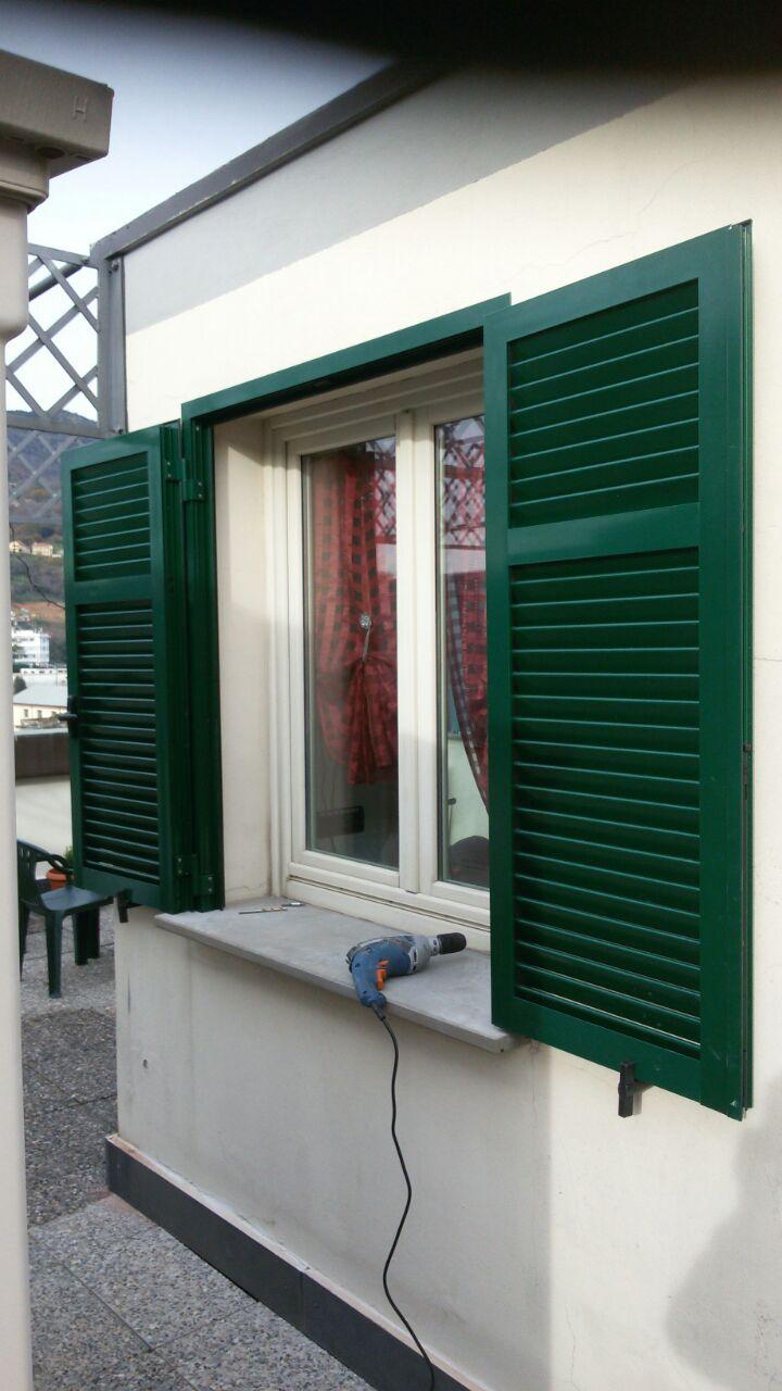 Nostri lavori installazione finestre e persiane con - Finestre con veneziane incorporate ...
