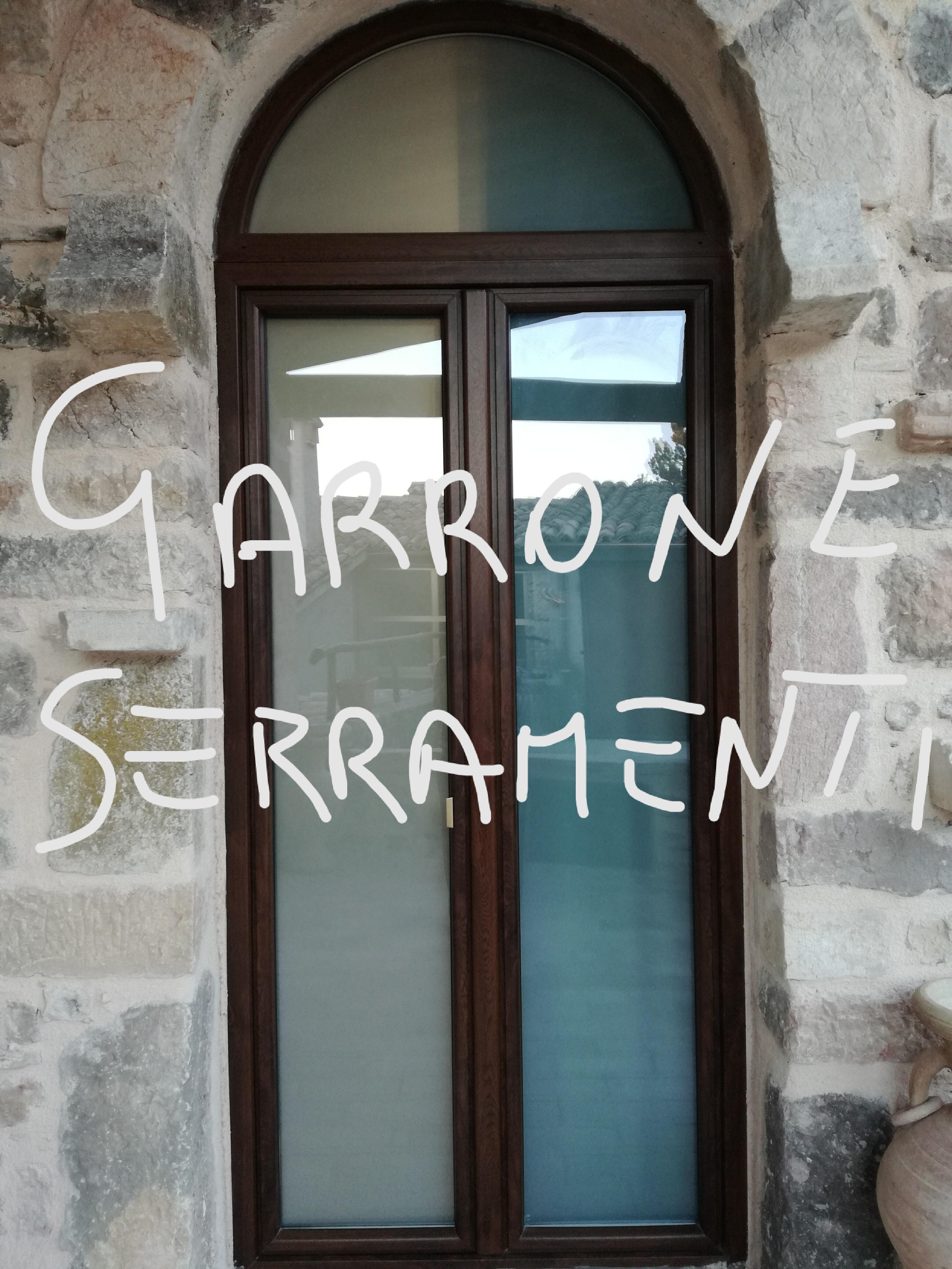 Finestra con arco infissi genova garrone serramenti - Porte e finestre genova ...